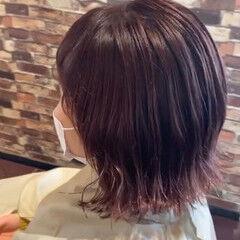 フェミニン ピンクカラー 外ハネ ミディアム ヘアスタイルや髪型の写真・画像