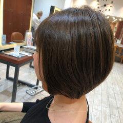 ショートボブ ナチュラル カーキアッシュ ショート ヘアスタイルや髪型の写真・画像