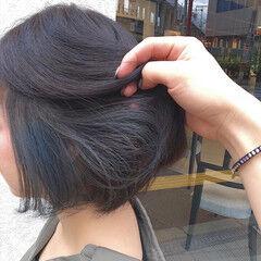 ショートヘア ナチュラル ファッション ミニボブ ヘアスタイルや髪型の写真・画像