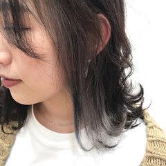 ナチュラル アクセサリーカラー おしゃれ インナーカラーグレージュ ヘアスタイルや髪型の写真・画像