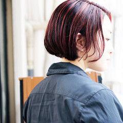 ストリート ハンサムボブ ピンクパープル 切りっぱなしボブ ヘアスタイルや髪型の写真・画像