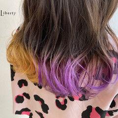 ミディアム ハデ髪 ツートンカラー バイオレットカラー ヘアスタイルや髪型の写真・画像