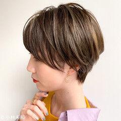 大人ハイライト ナチュラル ショートヘア モカベージュ ヘアスタイルや髪型の写真・画像