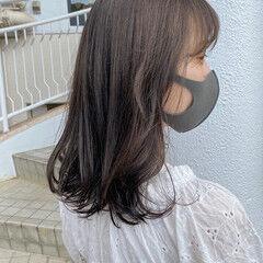 オリーブブラウン ミディアム 無造作ヘア ナチュラル ヘアスタイルや髪型の写真・画像