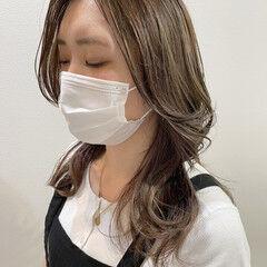 ミディアム 大人ハイライト シナモンベージュ 韓国風ヘアー ヘアスタイルや髪型の写真・画像