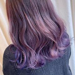 バレイヤージュ チェリーピンク ブリーチ ボルドー ヘアスタイルや髪型の写真・画像