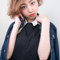 外国人風 コーラル ショート ボブ ヘアスタイルや髪型の写真・画像