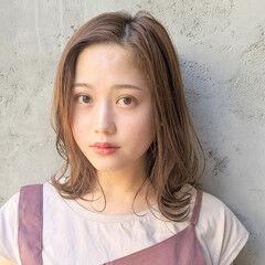 ミディアム コンサバ アウトドア インナーカラー ヘアスタイルや髪型の写真・画像