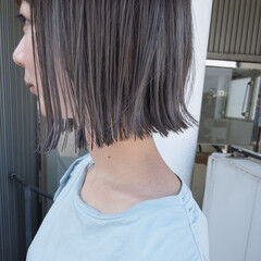 切りっぱなしボブ ハイトーンボブ 暗髪 ミルクティーベージュ ヘアスタイルや髪型の写真・画像