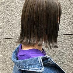 シルバーアッシュ 切りっぱなしボブ アッシュ モード ヘアスタイルや髪型の写真・画像