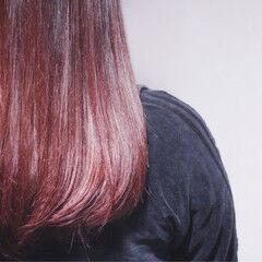 ロング ベリーピンク ナチュラル ラベンダーピンク ヘアスタイルや髪型の写真・画像