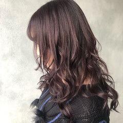 ウェーブ イルミナカラー ナチュラル セミロング ヘアスタイルや髪型の写真・画像