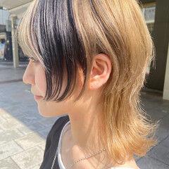 ナチュラル ニュアンスウルフ インナーカラー ブリーチカラー ヘアスタイルや髪型の写真・画像