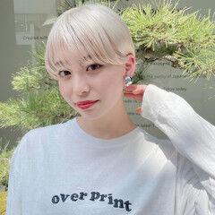 ホワイトカラー ブリーチカラー ショート コンパクトショート ヘアスタイルや髪型の写真・画像