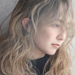 大人ロング ふわふわヘアアレンジ ミルクティーベージュ ヘアメイク ヘアスタイルや髪型の写真・画像