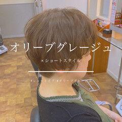 ショート オリーブグレージュ ナチュラル ショートヘア ヘアスタイルや髪型の写真・画像