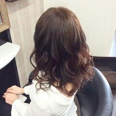 ゆるふわ 巻き髪 ふわふわ ミディアム ヘアスタイルや髪型の写真・画像