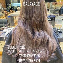 バレイヤージュ ホワイトハイライト ロング 3Dハイライト ヘアスタイルや髪型の写真・画像
