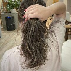 セミロング ハイライト ナチュラル 大人ハイライト ヘアスタイルや髪型の写真・画像