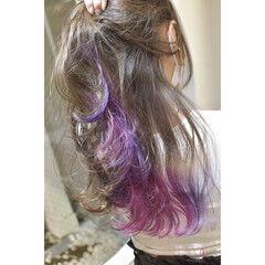 ロング インナーピンク インナーカラーパープル インナーカラー ヘアスタイルや髪型の写真・画像