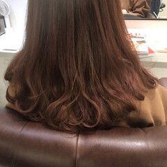 フェミニン セミロング 大人可愛い アプリコットオレンジ ヘアスタイルや髪型の写真・画像