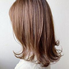 ハイライト 大人ハイライト 秋冬スタイル ミディアム ヘアスタイルや髪型の写真・画像