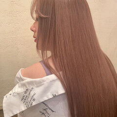 ガーリー ロング ハイトーンカラー ツヤツヤ ヘアスタイルや髪型の写真・画像