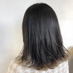 外ハネ 切りっぱなしボブ アクセサリーカラー 外国人風カラー ヘアスタイルや髪型の写真・画像