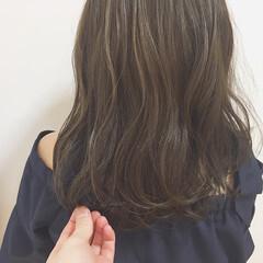 セミロング アッシュ グレージュ 外国人風カラー ヘアスタイルや髪型の写真・画像