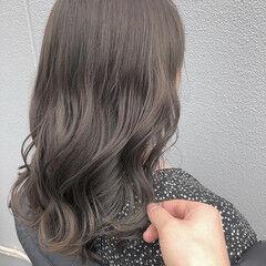 ブリーチカラー ロング かわいい ナチュラル ヘアスタイルや髪型の写真・画像