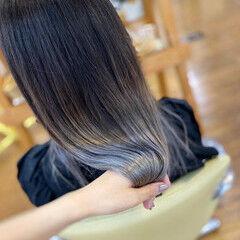 シルバーグレージュ ブリーチカラー ホワイトグレージュ モード ヘアスタイルや髪型の写真・画像