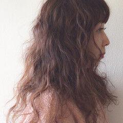 ナチュラル ヘアアレンジ 抜け感 スパイラルパーマ ヘアスタイルや髪型の写真・画像