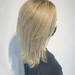 3Dハイライト 極細ハイライト ミディアム ホワイトグラデーション ヘアスタイルや髪型の写真・画像