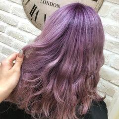 フェミニン ラベンダーピンク ミディアム 超音波 ヘアスタイルや髪型の写真・画像
