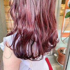 フェミニン ピンク ゆる巻き ピンクブラウン ヘアスタイルや髪型の写真・画像