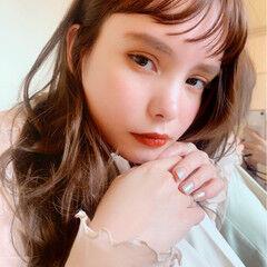 色気 フェミニン ブラウンベージュ ワイドバング ヘアスタイルや髪型の写真・画像