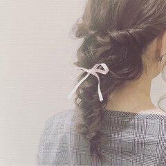 ガーリー フィッシュボーン 編み込み セミロング ヘアスタイルや髪型の写真・画像