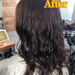 ナチュラル ロング ウェーブ デジタルパーマ ヘアスタイルや髪型の写真・画像