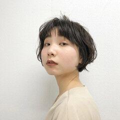 ショートヘア ナチュラル ショート ワンカールパーマ ヘアスタイルや髪型の写真・画像