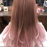 セミロング 透明感カラー ピンクベージュ グラデーションカラー