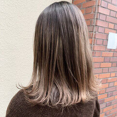 切りっぱなしボブ グラデーション エアータッチ ストリート ヘアスタイルや髪型の写真・画像