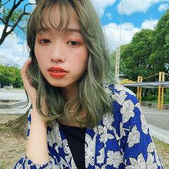 オリーブグレージュ 鎖骨ミディアム ストリート ミントアッシュ ヘアスタイルや髪型の写真・画像