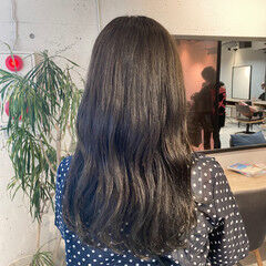 ミディアム ベージュ ナチュラル グレージュ ヘアスタイルや髪型の写真・画像