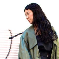 ロング 前髪パッツン サロンモデル ナチュラル ヘアスタイルや髪型の写真・画像