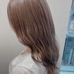 くすみベージュ エレガント グレージュ 透明感カラー ヘアスタイルや髪型の写真・画像