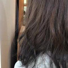 オリーブブラウン ロング オルティーブアディクシー オリーブカラー ヘアスタイルや髪型の写真・画像