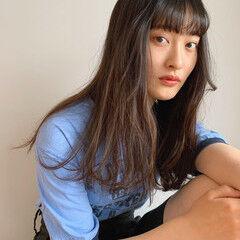 前髪アレンジ カジュアル フェミニン サロンモデル ヘアスタイルや髪型の写真・画像
