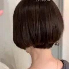 艶髪 黒髪ショート ゆるふわ 大人かわいい ヘアスタイルや髪型の写真・画像