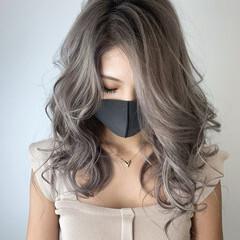 シルバーアッシュ アッシュ ミルクティーブラウン エレガント ヘアスタイルや髪型の写真・画像