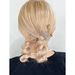 ロング ハイトーンカラー お団子ヘア ヘアアレンジ ヘアスタイルや髪型の写真・画像